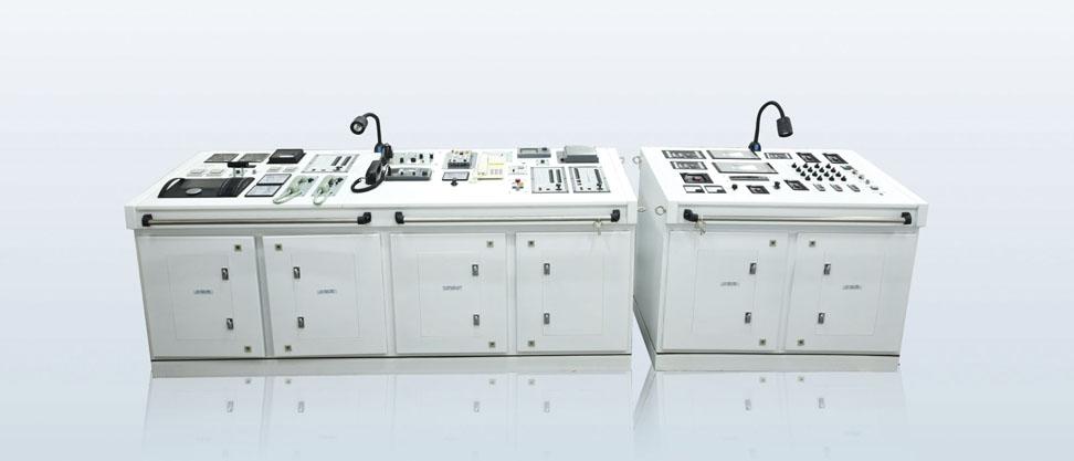 船舶驾驶室集中控制台,主要包括主机遥控,电话系统,广播系统,航行灯